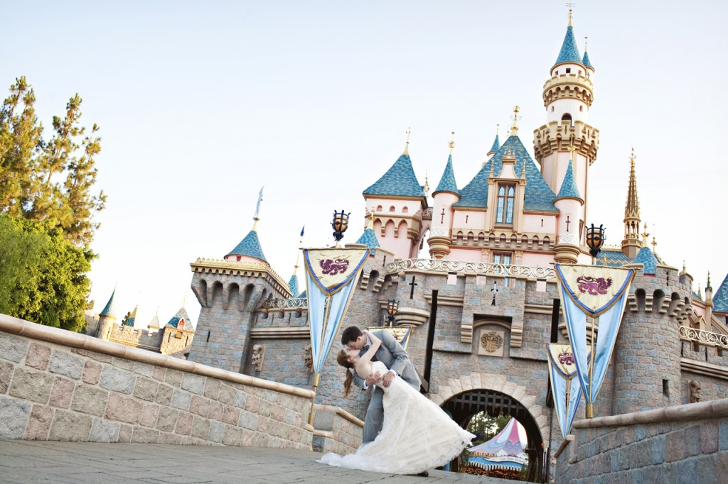disneyland-wedding1_sarina-love-photography
