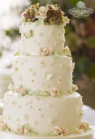 A Guide To High Street Wedding Cakes