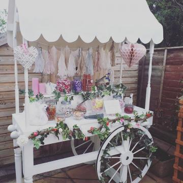 Photo Booth Hire | Find Wedding Photo Booths for hire here - Glamour Booth Memorable Events