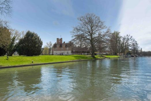 Country House Wedding Venues - Bisham Abbey
