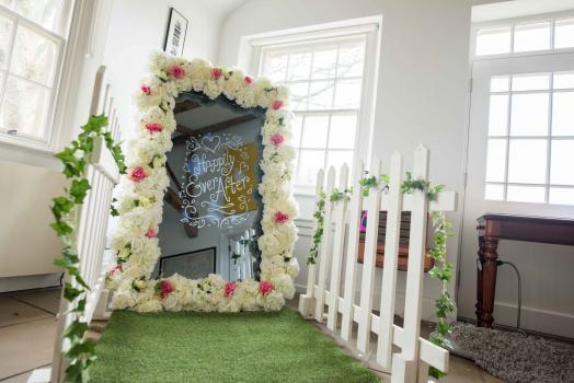 Photo Booth Hire | Find Wedding Photo Booths for hire here - ScissorPic