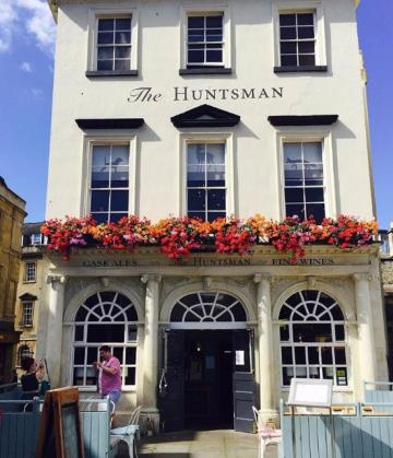 Exclusive Hire Wedding Venues - The Huntsman