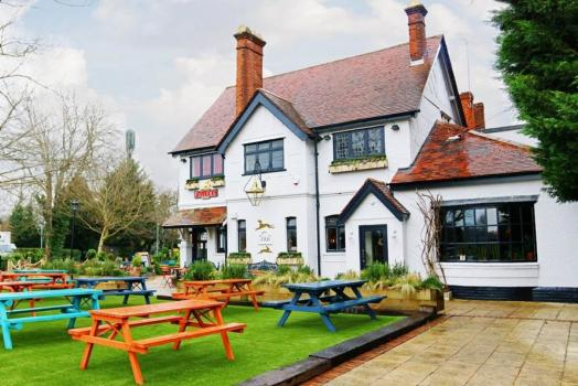 - Hare & Hounds Osterley