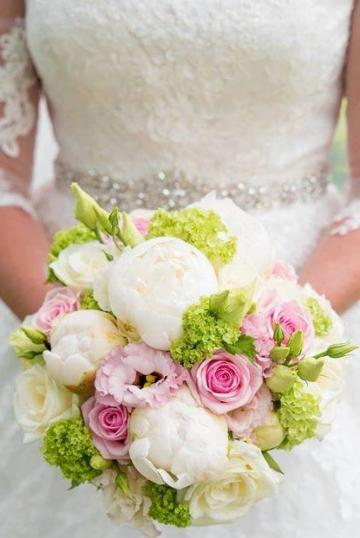 Wedding Flowers - Local Florists  - Sarahs Floral Designs