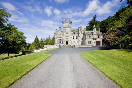 - Kinnettles Castle