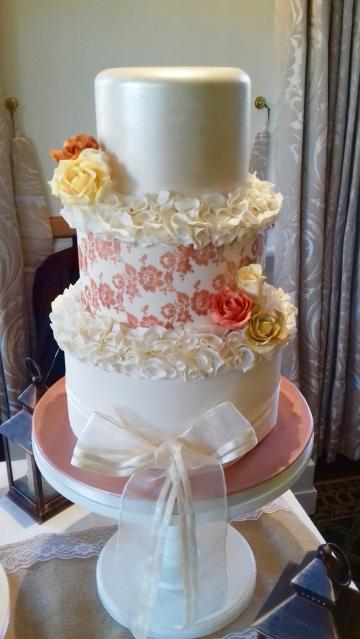 Wedding Cakes, Ideas, Inspiration and Makers - BellaBoo Cakes Surrey