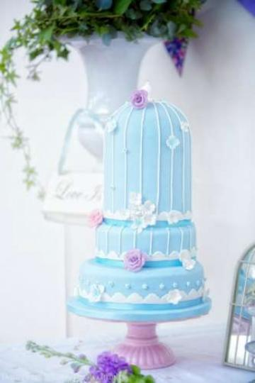 Wedding Cakes, Ideas, Inspiration and Makers - Cakes From The Heart