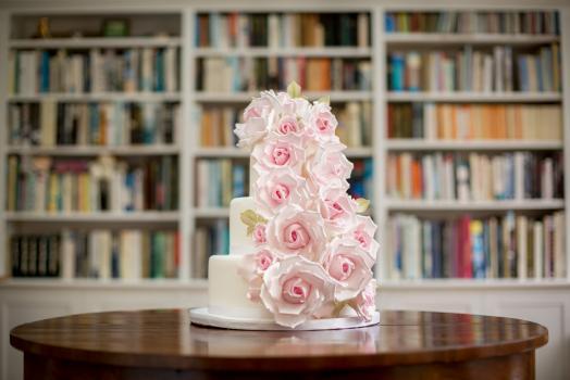 Wedding Cakes, Ideas, Inspiration and Makers - Francesca Dahlia Sugar Flowers
