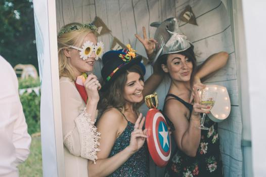 Photo Booth Hire | Find Wedding Photo Booths for hire here - Oh Snap UK