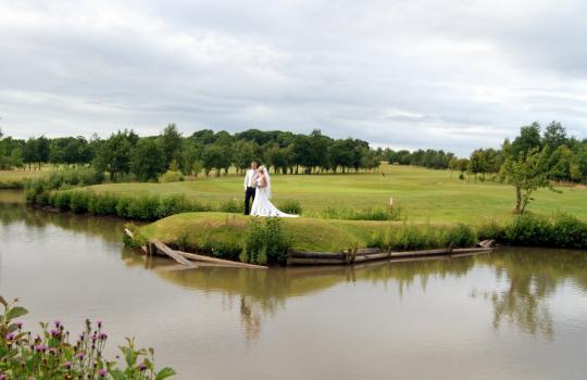 Unusual Wedding Venues - Blundells Hill Golf Club