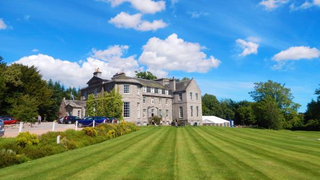 Country House Wedding Venues - Raemoir House