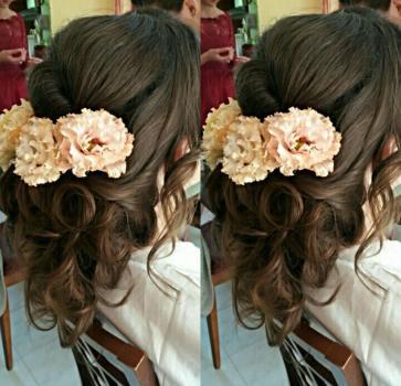 - Glamour Makeup & Hair