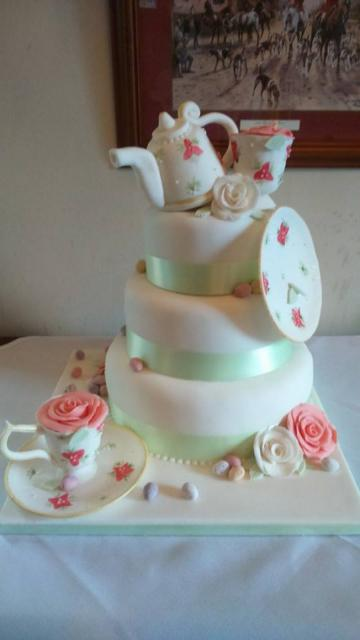 Wedding Cakes, Ideas, Inspiration and Makers - Coco Cakes