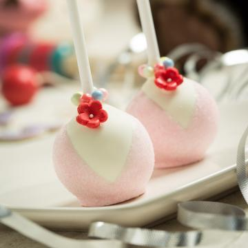 Wedding Cakes, Ideas, Inspiration and Makers - Amelia's Cake Pops Truffles & Chocolat