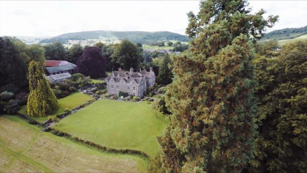 Country House Wedding Venues - Llanvihangel Court