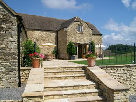 Exclusive Hire Wedding Venues - The Kingscote Barn