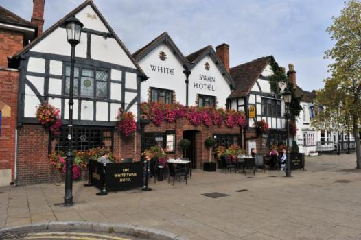 Pub Wedding Venues - The White Swan Hotel