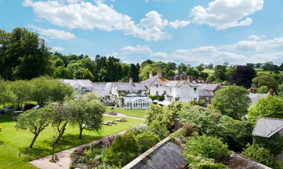 Country House Wedding Venues - Summer Lodge Country House Hotel