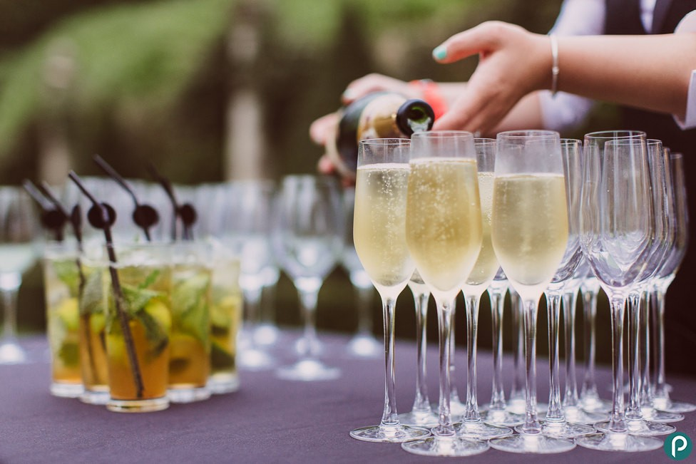 wedding bar, wedding drinks, wedding tips, wedding ideas