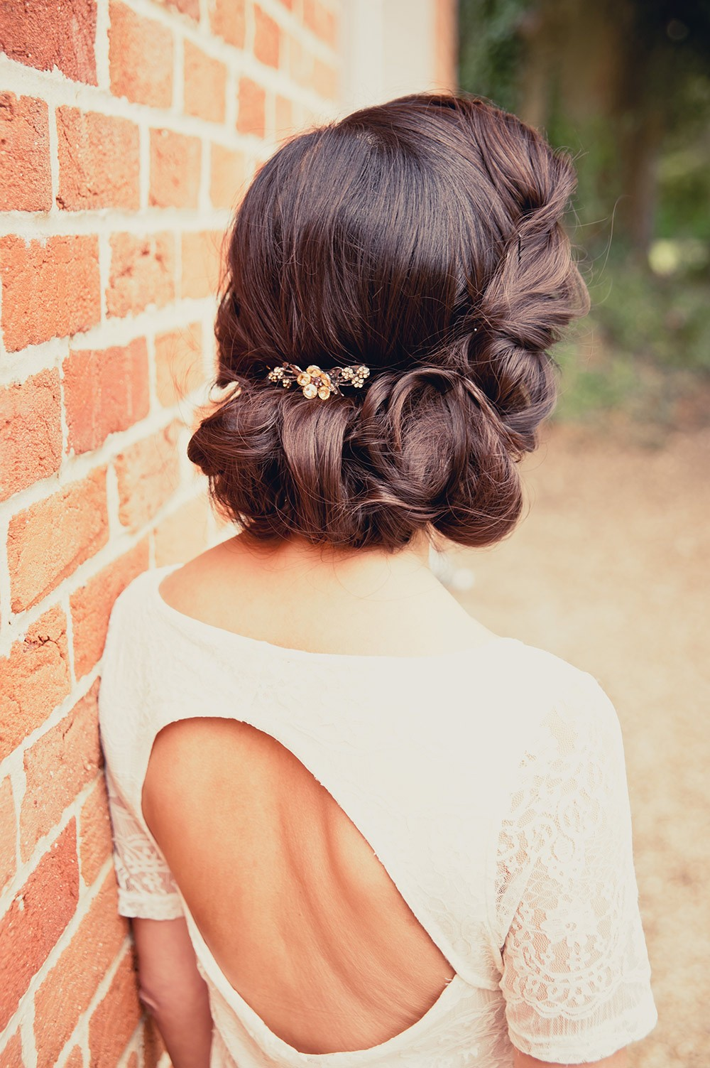 wedding hair, autumn wedding hair, winter wedding hair, wedding hair trends 2017