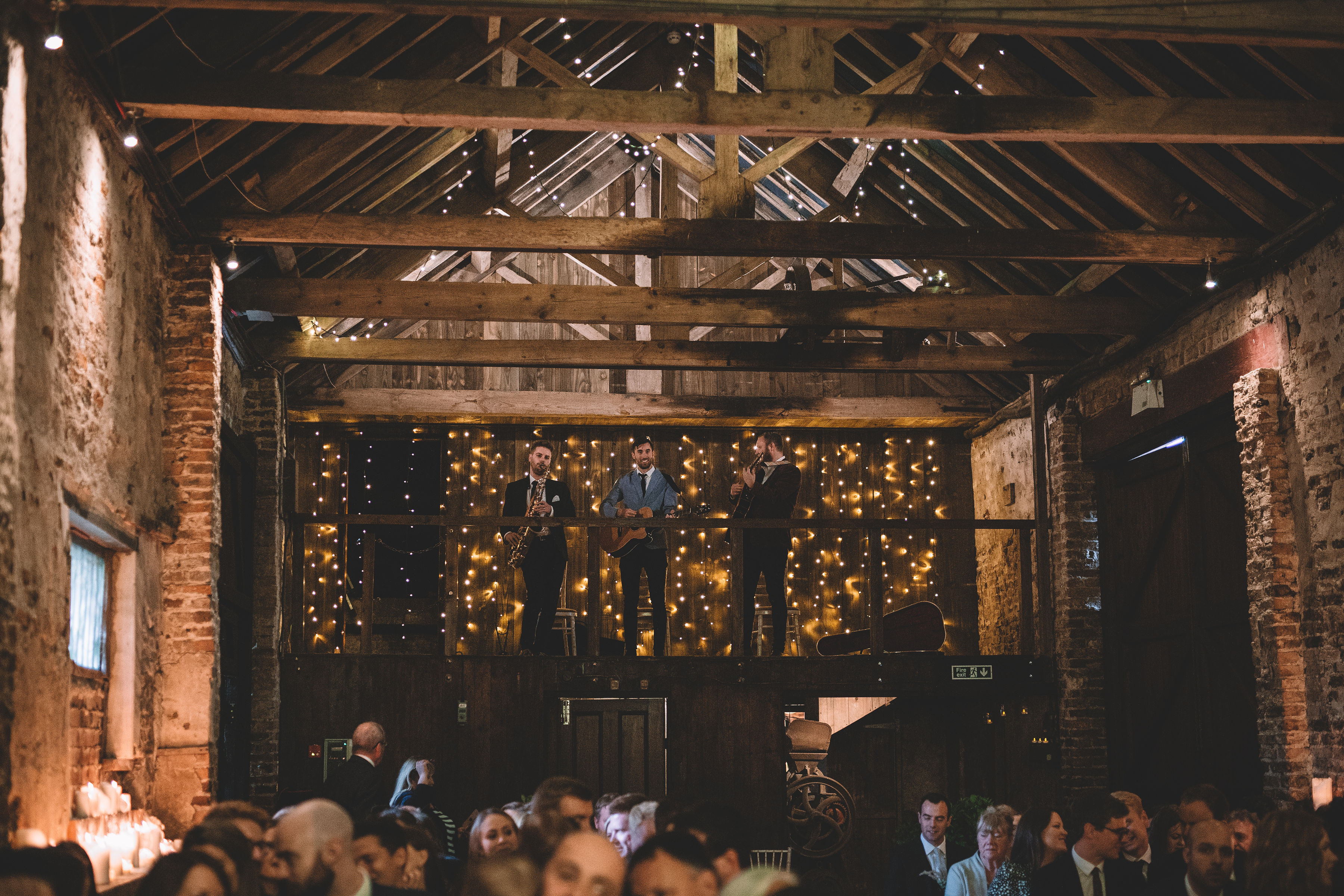 autumn wedding with rustic and dreamy theme