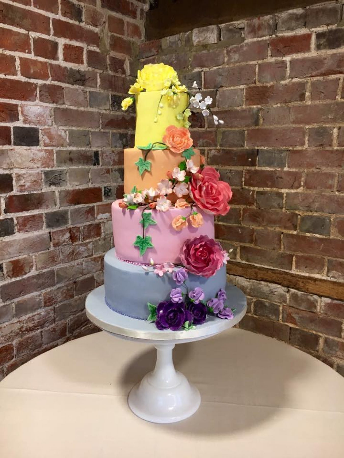 10 Fantastic Wedding Cakes London Has To Offer