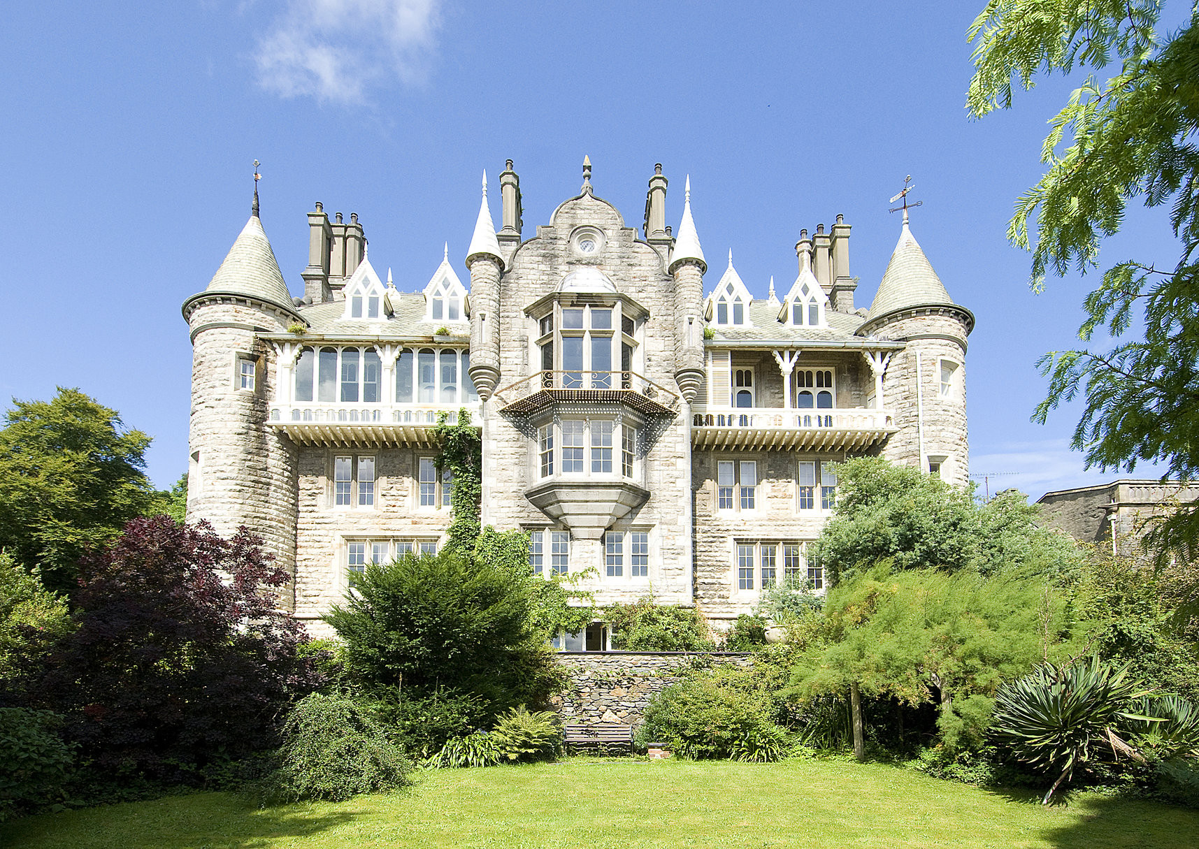 Chateau Rhianfa | Small Wedding Venues | WeddingPlanner.co.uk