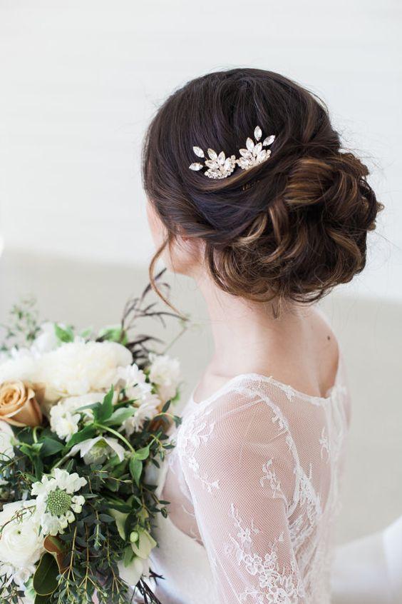 2017s Best Wedding Hair Accessories WeddingPlannercouk