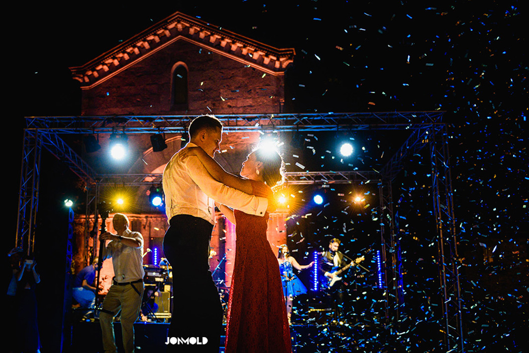 wedding first dance, wedding live band, wedding entertainment