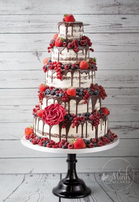 Naked wedding cake, wedding cake trends, 2018 wedding cakes
