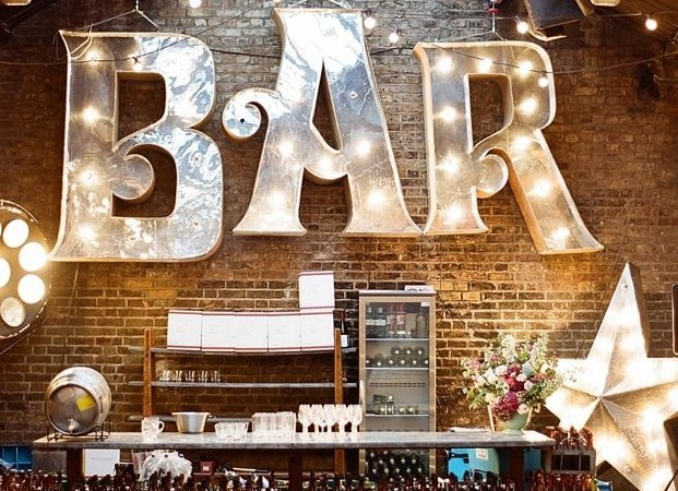 wedding bar, organising a wedding bar, wedding ideas,