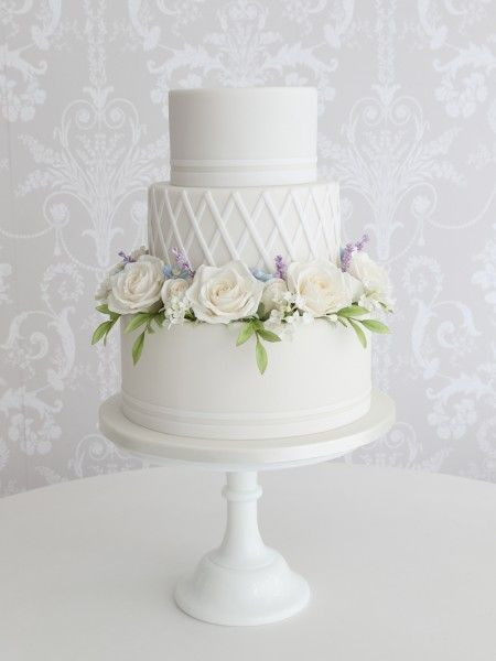 black and white wedding cakes, wedding cake trends 2018