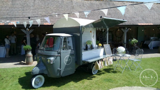 miss b's bubbles, mobile bar hire, wedding bar hire