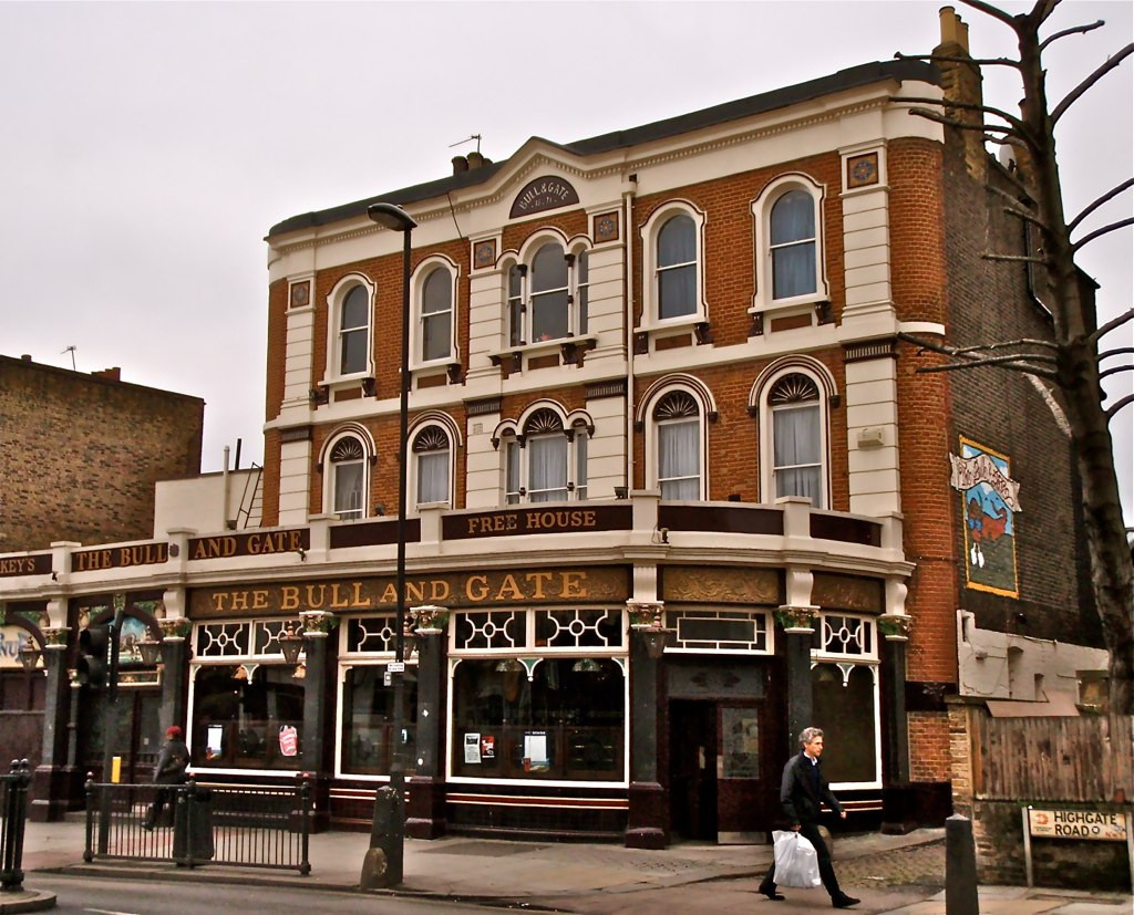 the bull & gate kentish town, intimate wedding venue, small weddng venue london, affordable wedding venue london