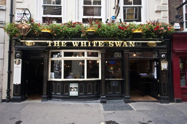 the white swan, wedding venues london, intimate wedding venues london, affordable wedding venues london, small wedding venues london