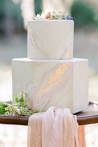 unusual wedding cakes, wedding cake trends, wedding cakes 2018