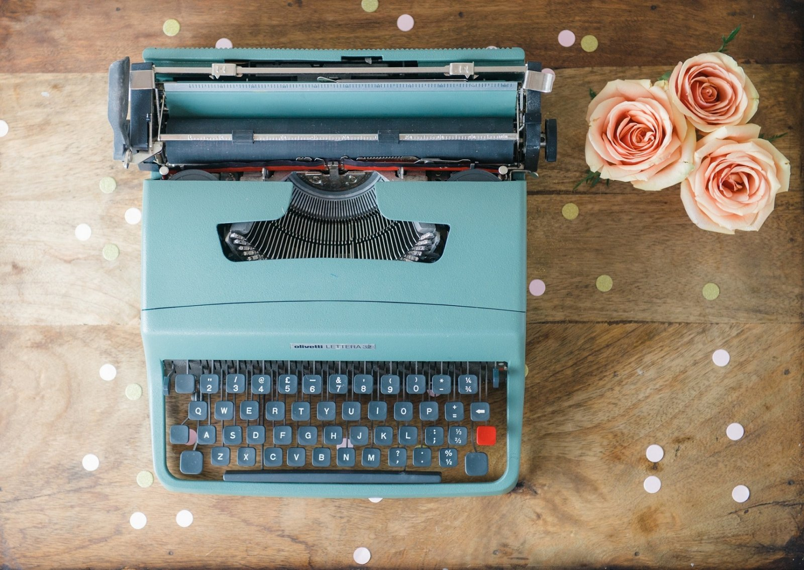 typewriter wedding decor