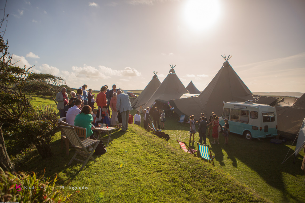 cornwall beach wedding, real wedding cornwall, roscarrock wedding, teepee wedding