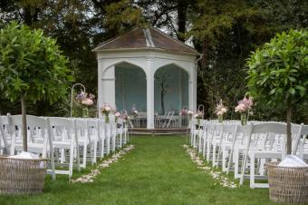 How to Style an Outdoor Wedding Ceremony