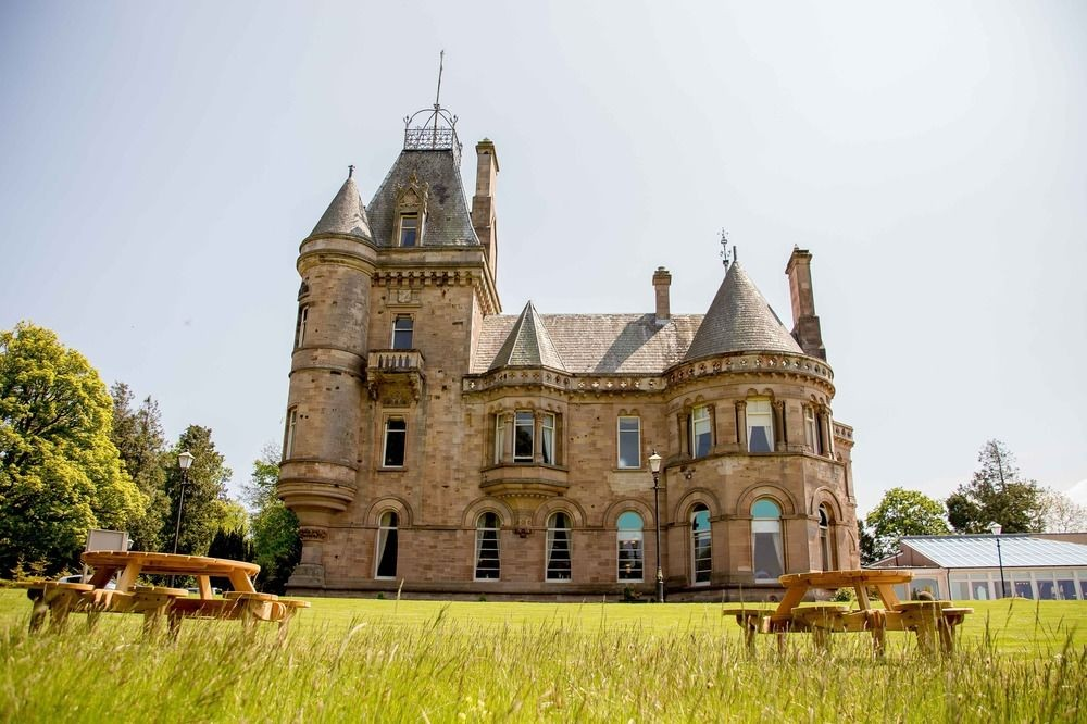 wedding venues in scotland, scottish wedding venues, cornhill castle, wedding venues near me