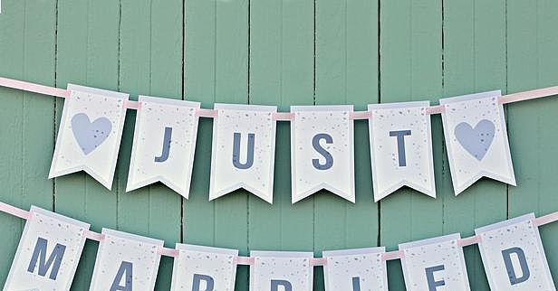 Completely new 24 Fun Wedding Sign Ideas Your Guests Will Love - WeddingPlanner.co.uk EC82