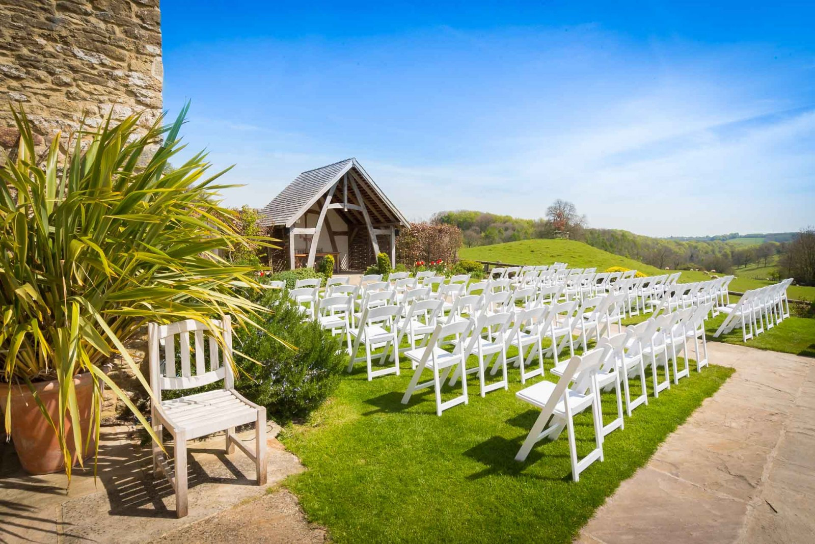 Kingscote Barn | Barn Wedding Venues | WeddingPlanner.co.uk