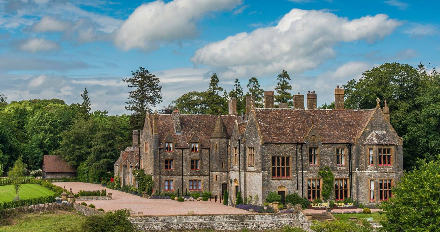 wedding venues, choosing wedding venues, real brides guide, huntsham court