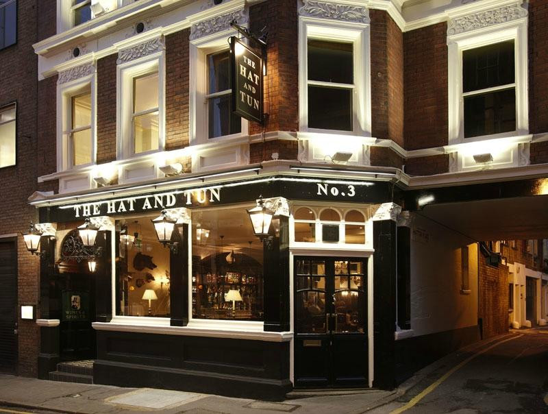 the hat and tun, wedding venue london, intimate wedding venue london, small wedding venue london,